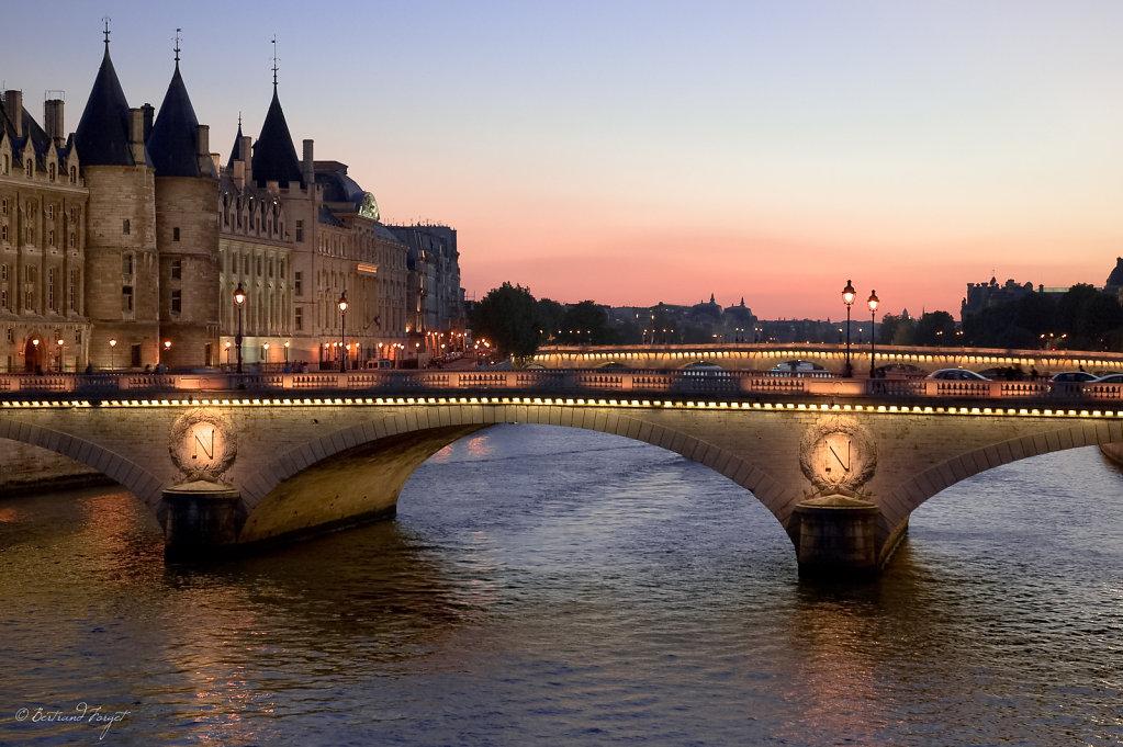 Couché de soleil au pont Neuf