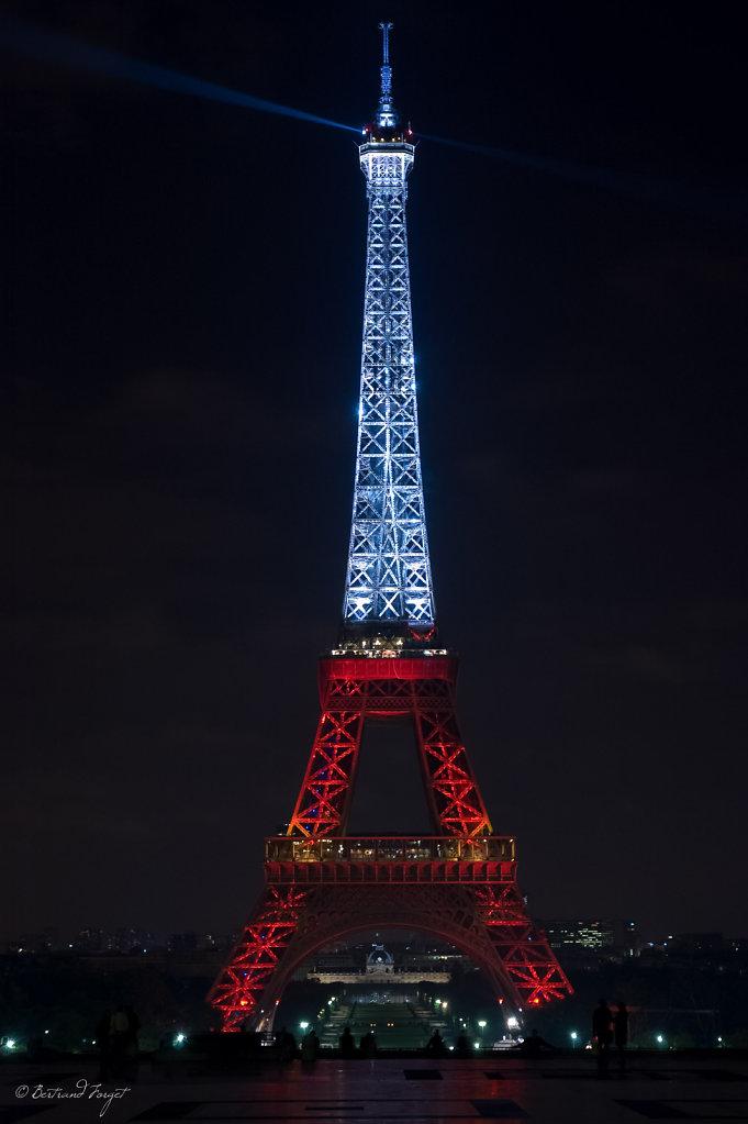 Tour Eiffel au couleurs de la Turquie